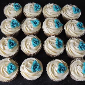 Cream Rose Cupcakes