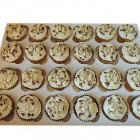 gold 30th cupcakes