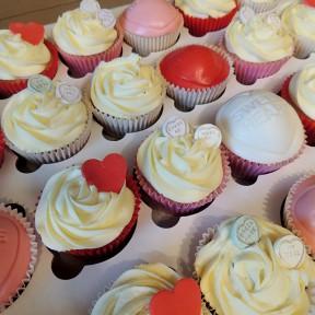 LoveHeart Wedding cupcakes