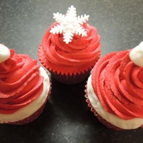 Xmas Hat Cupcakes