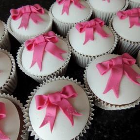 Wedding cupcakes_pink bows