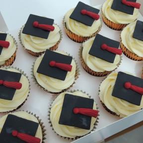 Graduation Mortar Board Cupcakes